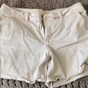Khaki American Eagle shorts